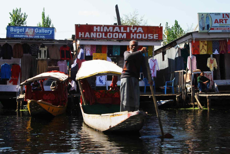 Fiume a Floating markets of Srinagar