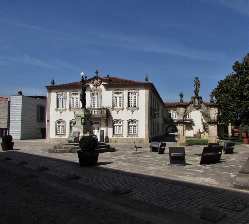 Pueblo en Casa do Eirô (Câmara Municipal de Mondim de Basto)