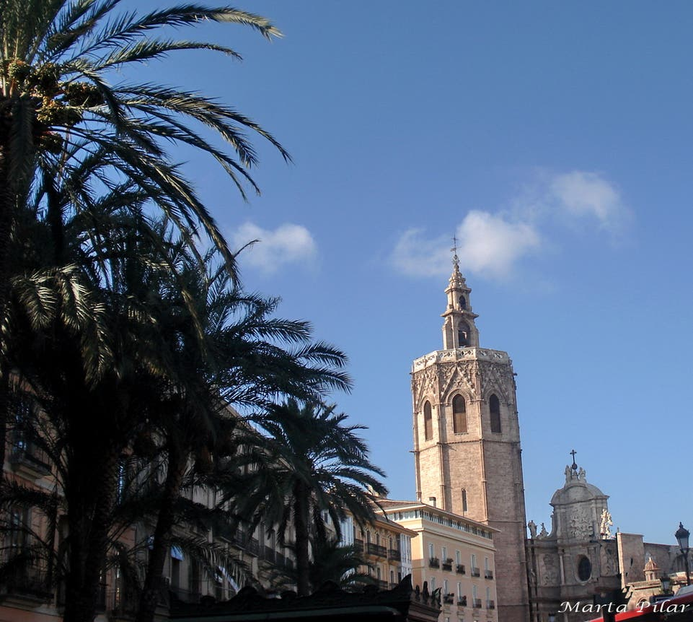 Cielo en Torre del Miguelete (Torre del Micalet de Valencia)