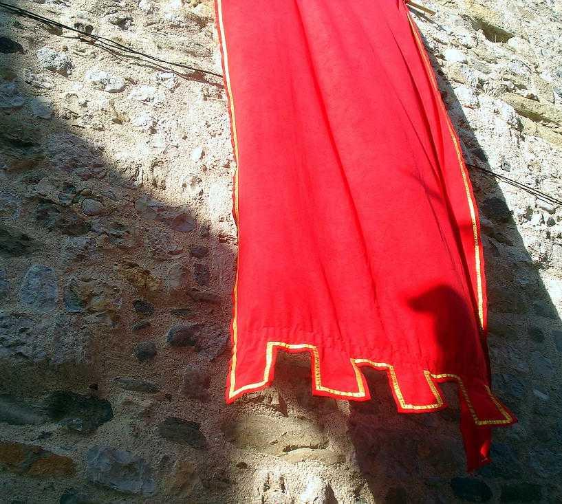 Rojo en Curia Real