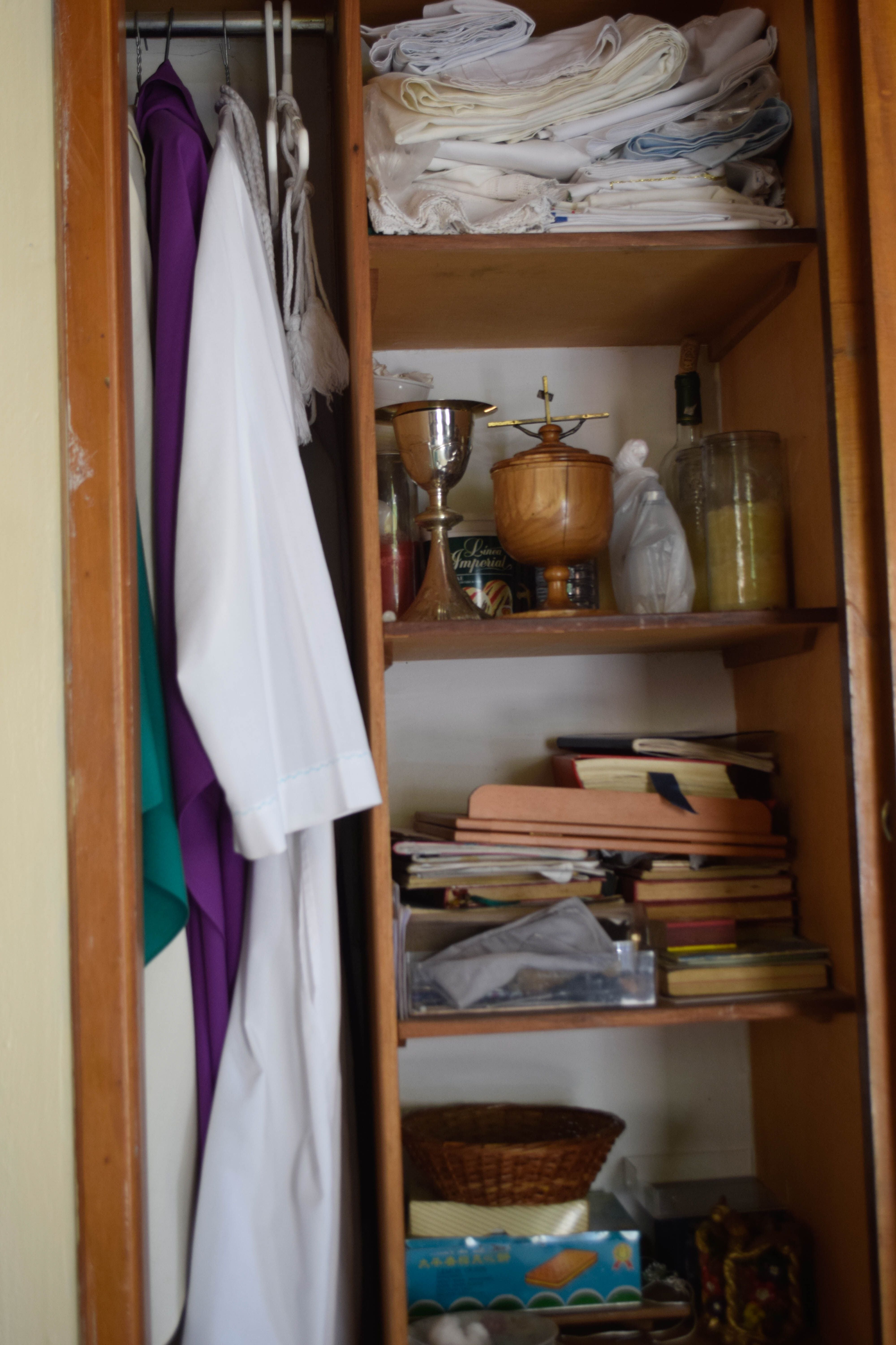 Shelf in Capilla de El Pedregal