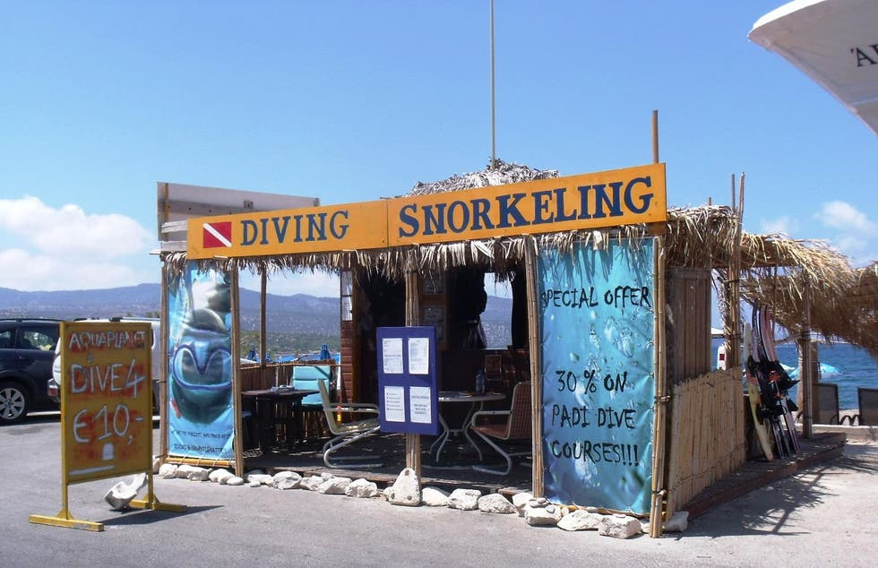Restaurante en Latchi Diving Center