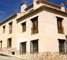 Fotos de villa en apartamentos tur sticos ciudad encantada - Apartamentos turisticos cordoba espana ...