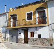 Villa en Alcohujate
