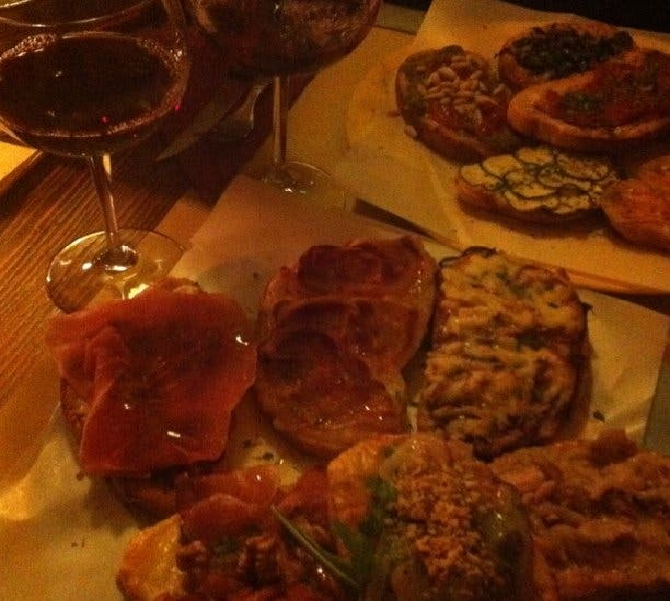 Plato en Taverna I Tre Mori