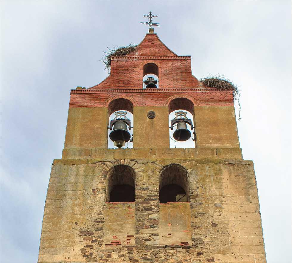 Edificio en San Cristóbal de la Polantera