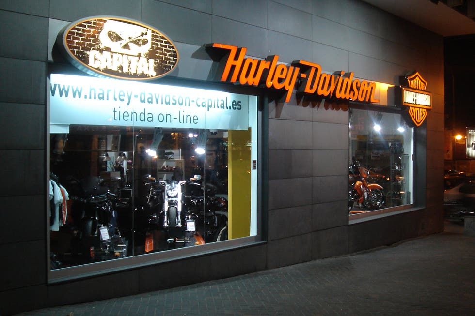 photos de boutique harley davidson galerie photos. Black Bedroom Furniture Sets. Home Design Ideas