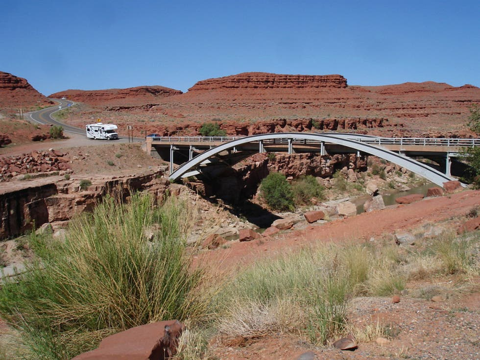 Arch in Mexican Hat