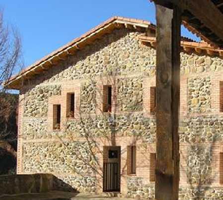Fachada en Puebla del Vallés