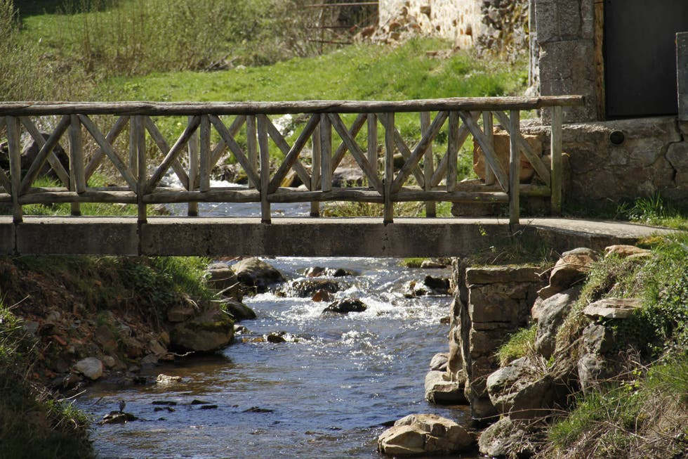 River in Lores