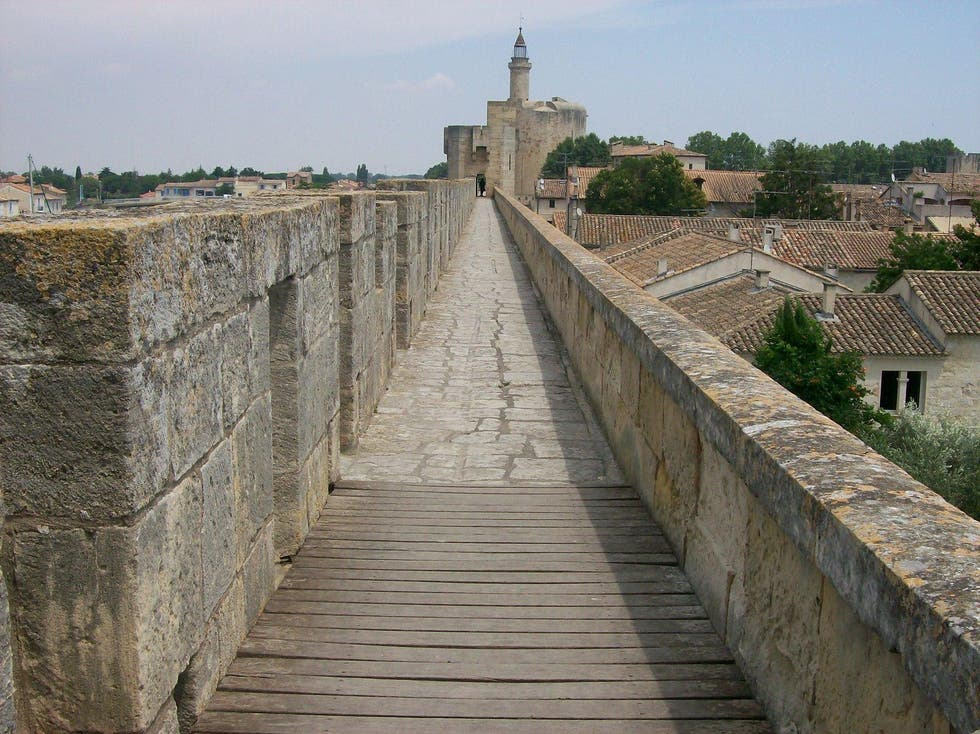 Pared en Torres y murals de Aigues-Mortes
