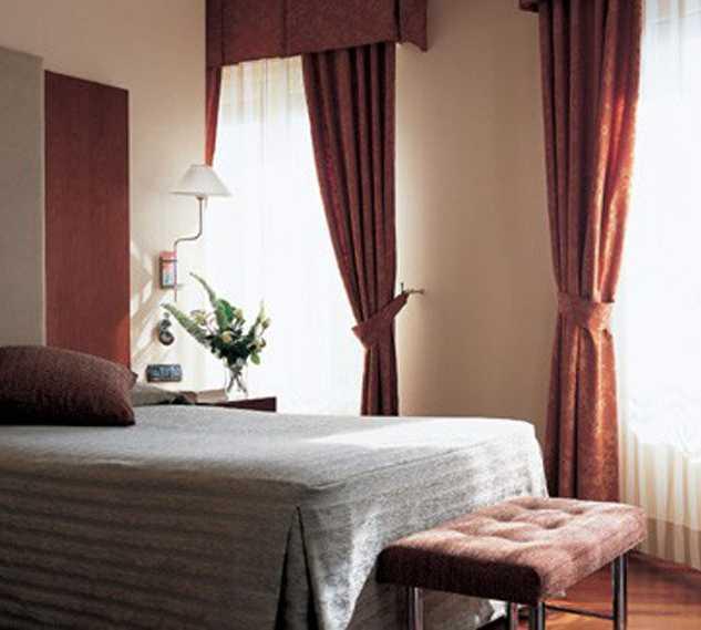 Cortina en Hotel NH Madrid Nacional