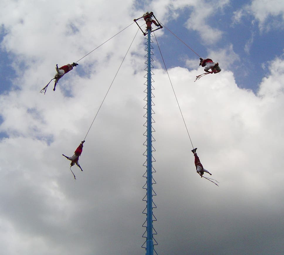 Saltar en Los voladores de Papantla