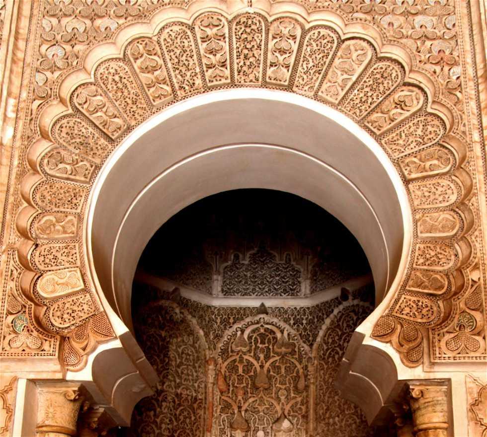 Columna en Sala de oraciones medersa Ben Youssef