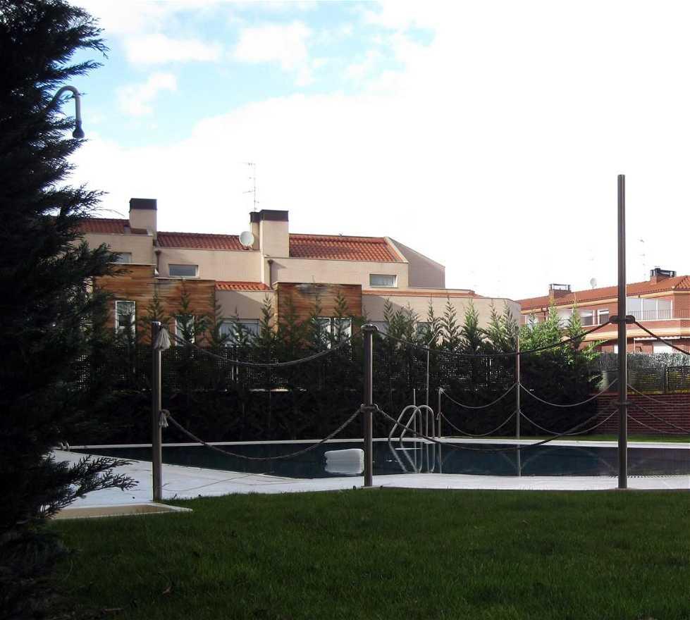 fotos de edificio deportivo en chalets y villas de lujo