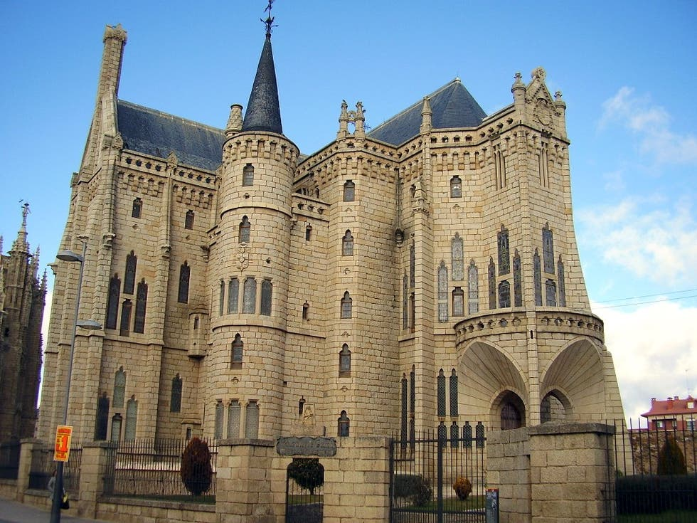 palacio episcopal de astorga materiales