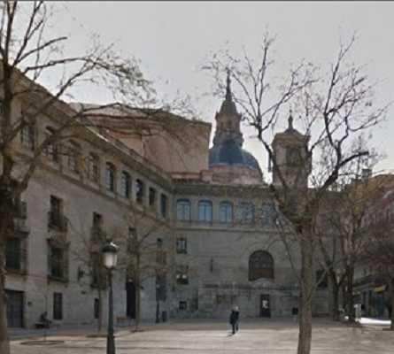 Edificio en Plaza de la Paja