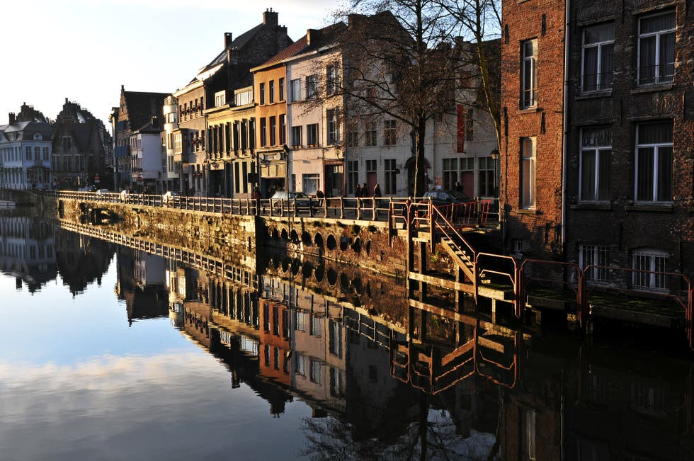 Reflection in Ghent