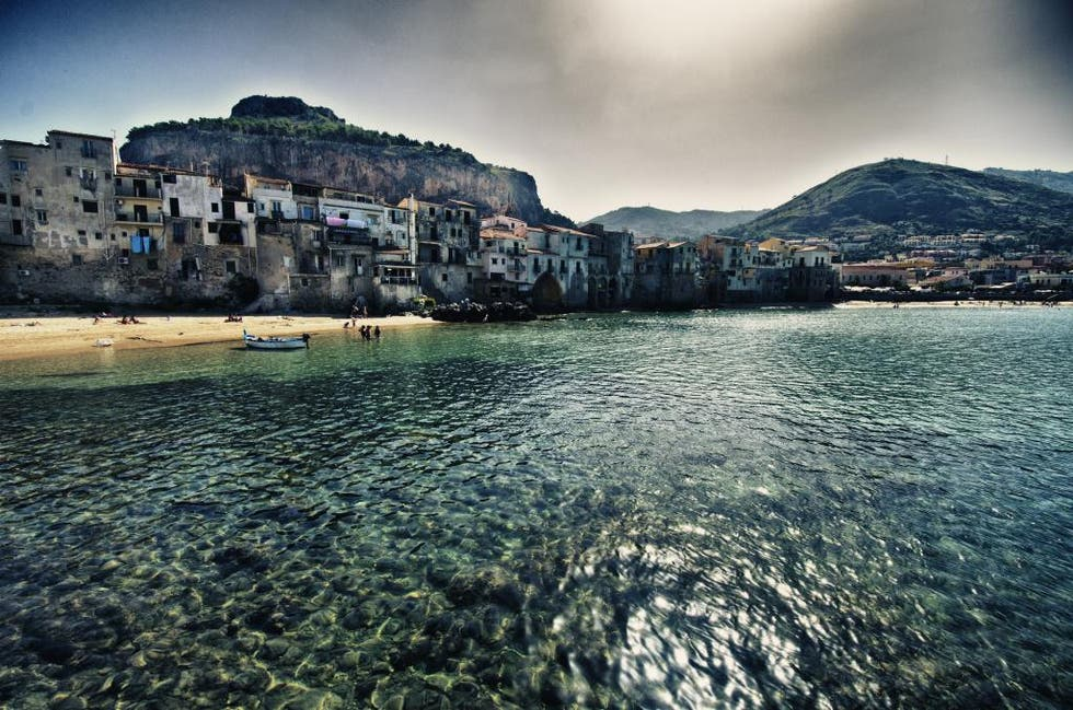 Reflection in Cefalu