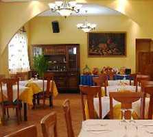 Restaurant in Albares
