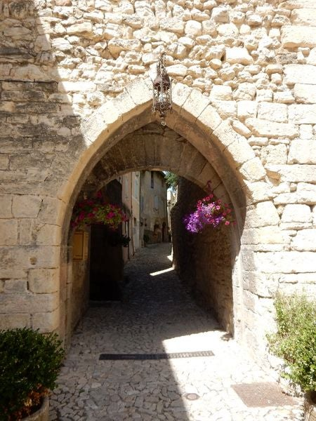 Arch in Montbrun-les-Bains