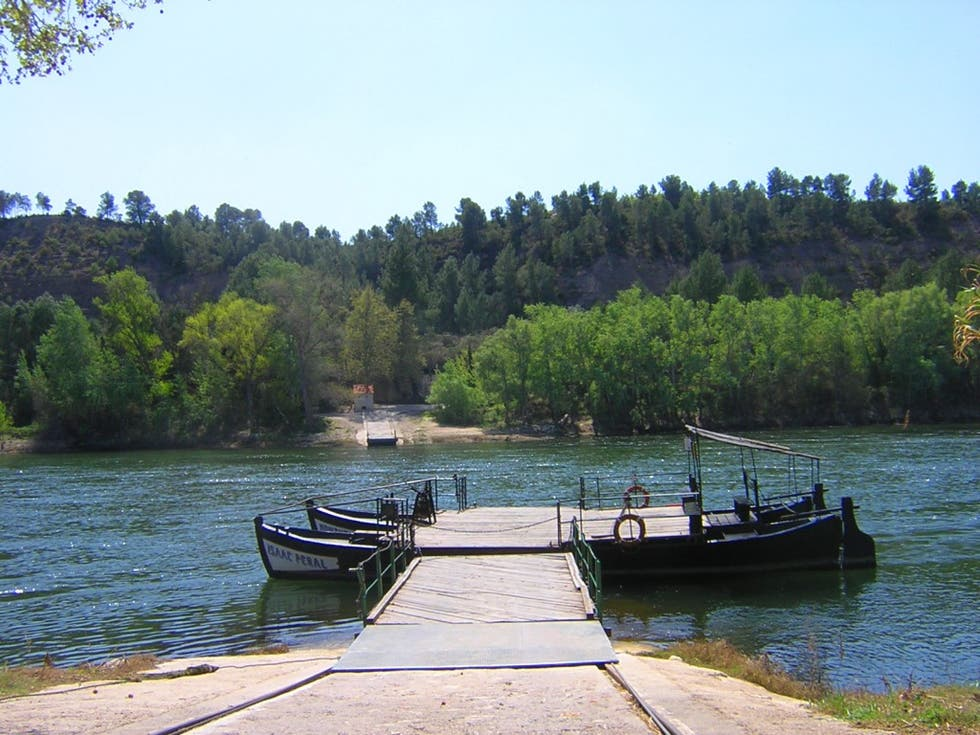 Boating in Miravet