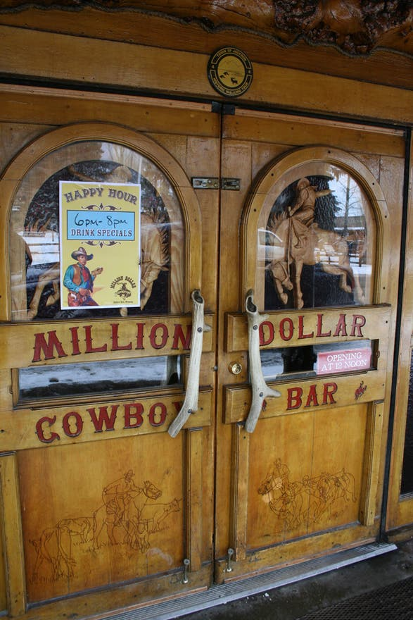 Transporte en Million Dollar Cowboy bar