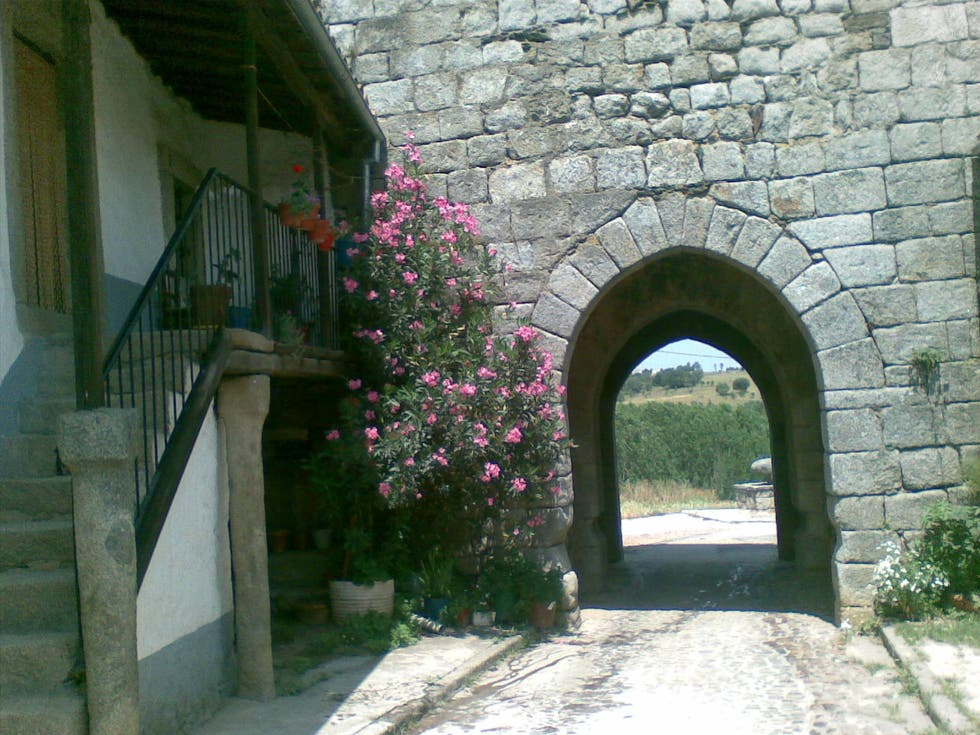 Arch in Monleón