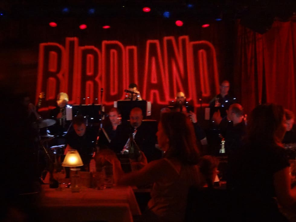 Arte en Birdland Jazz Club NYC