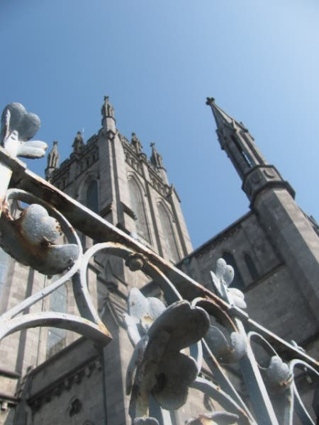 Escultura en St Mary's Cathedral