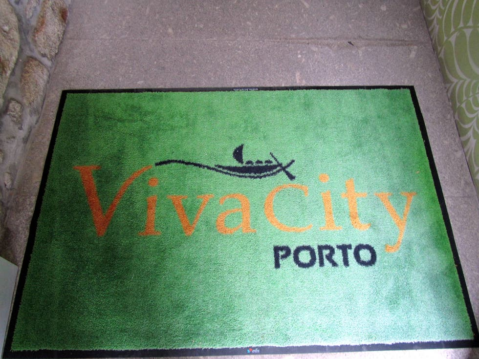 Señal en Vivacity Porto - Rooms & Apartments