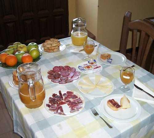 Fotos de desayuno en casa rural sartenilla romangordo 6894041 - Desayunos en casa ...