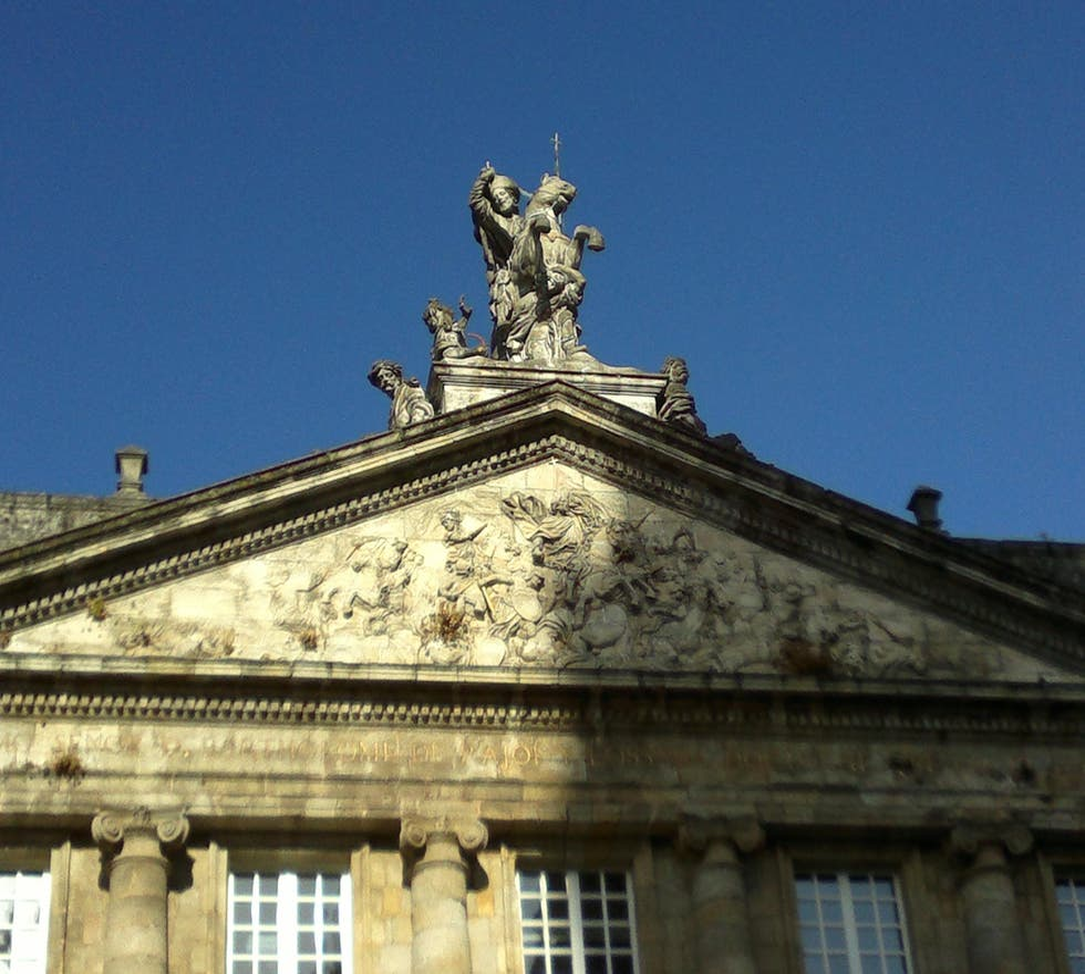 Estatua en Palacio de Raxoi - Ayuntamiento