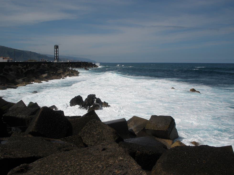 puerto la cruz chatrooms Puerto la cruz is a city found in anzoategui, venezuela it is located 1022 latitude and -6462 longitude and it is situated at 27 meters above sea level.