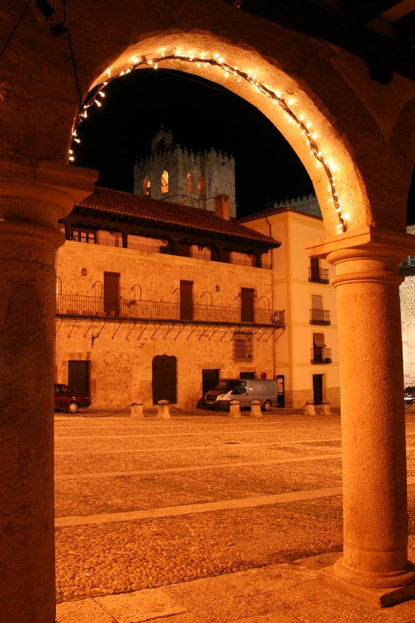 Arco en Plaza Mayor de Sigüenza