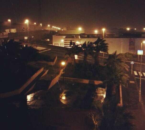 Noche en Centro Comercial y de Ocio La Laguna - Alcampo
