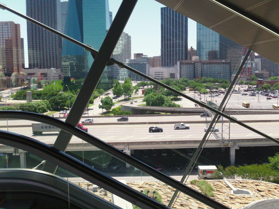 Transporte en Perot Museum of Nature and Science