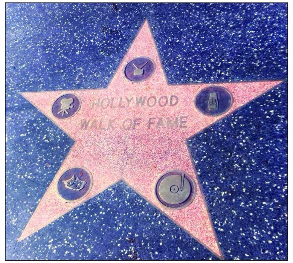 Decoración navideña en Paseo de la fama de Hollywood