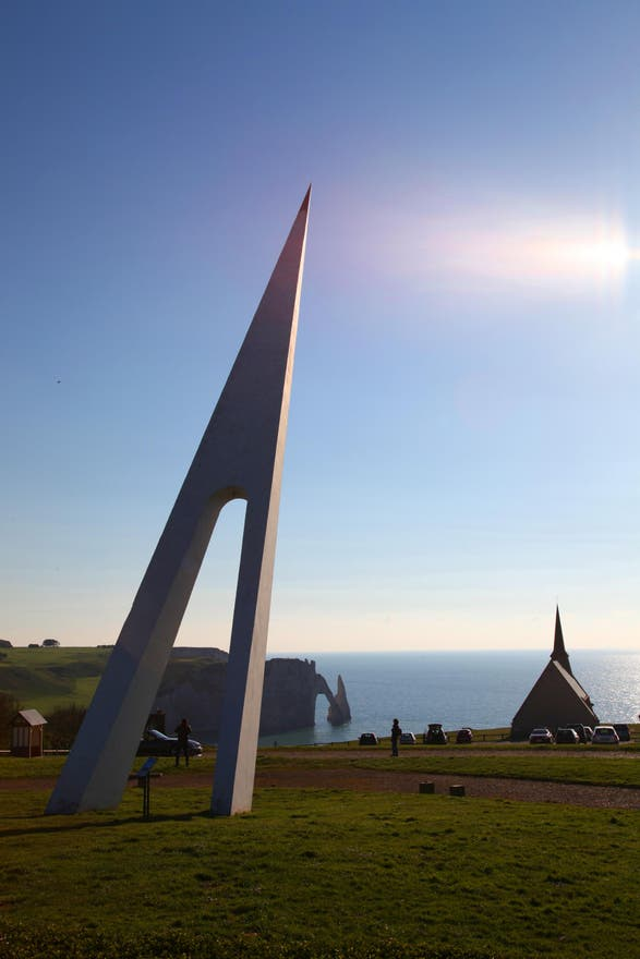 Photos de monument nungesser et coli galerie photos for Appart hotel etretat