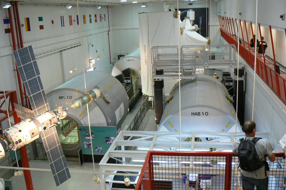 Photos of International Space Station Center - Images