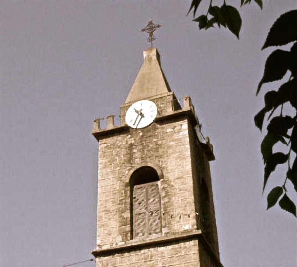 Campanario en Iglesia Parroquial de Santa Lucia de Tallano