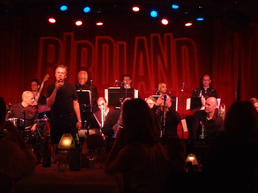 Escenario en Birdland Jazz Club NYC
