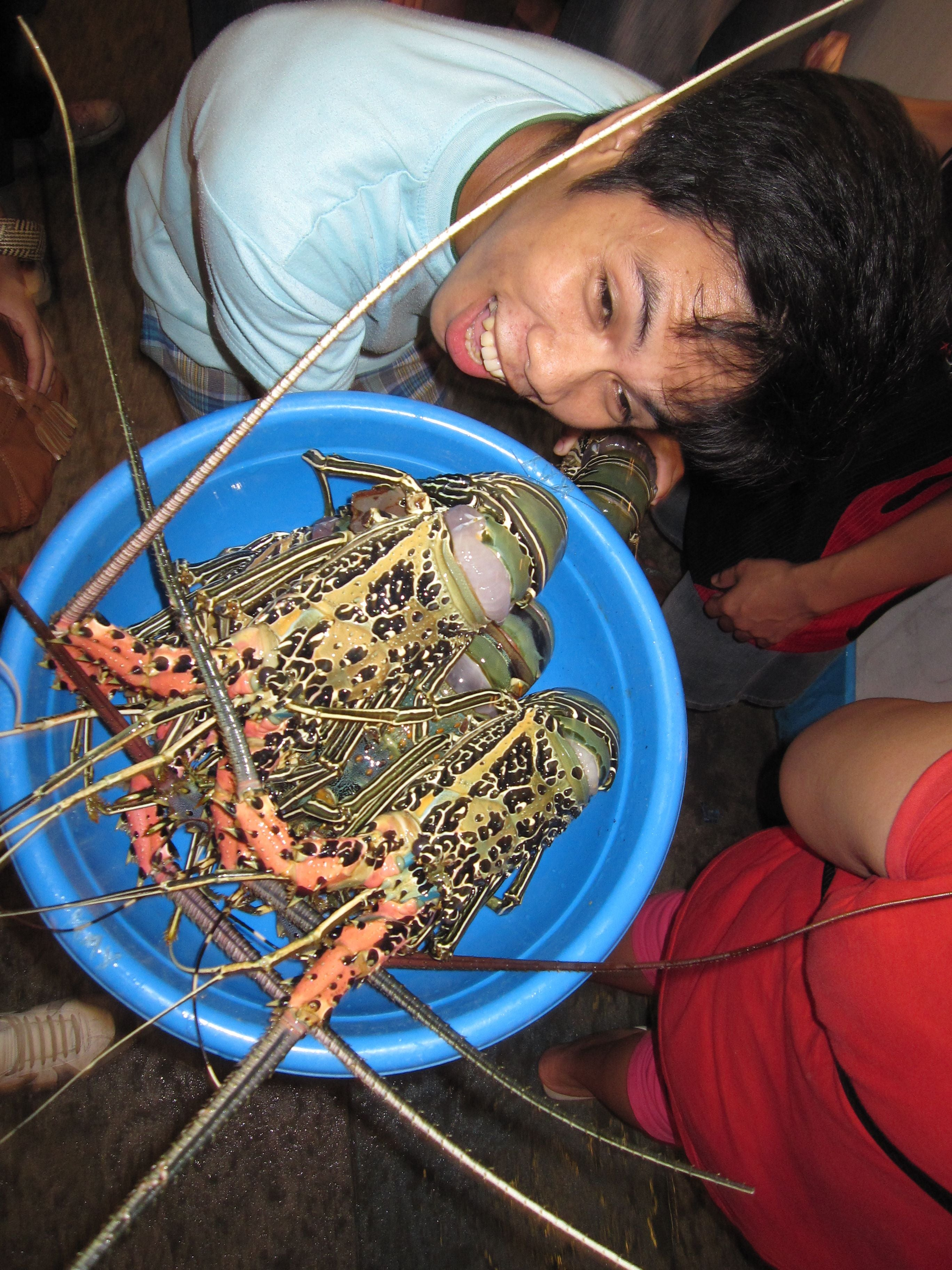 Play in Dampa Seafood Market