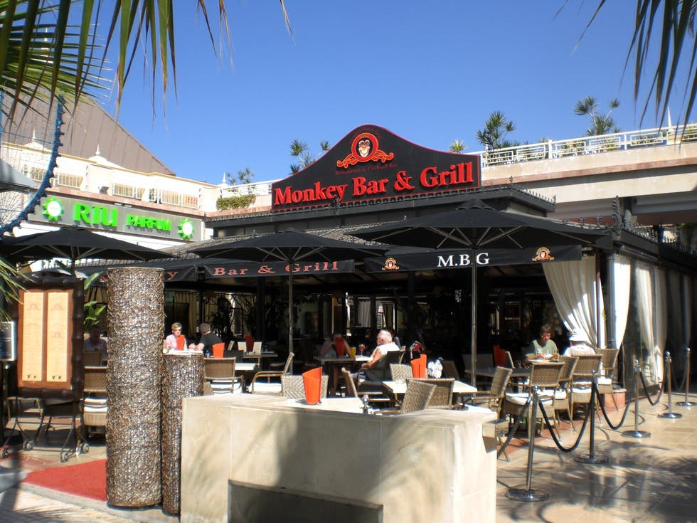 Restaurante en Monkey Bar & Grill