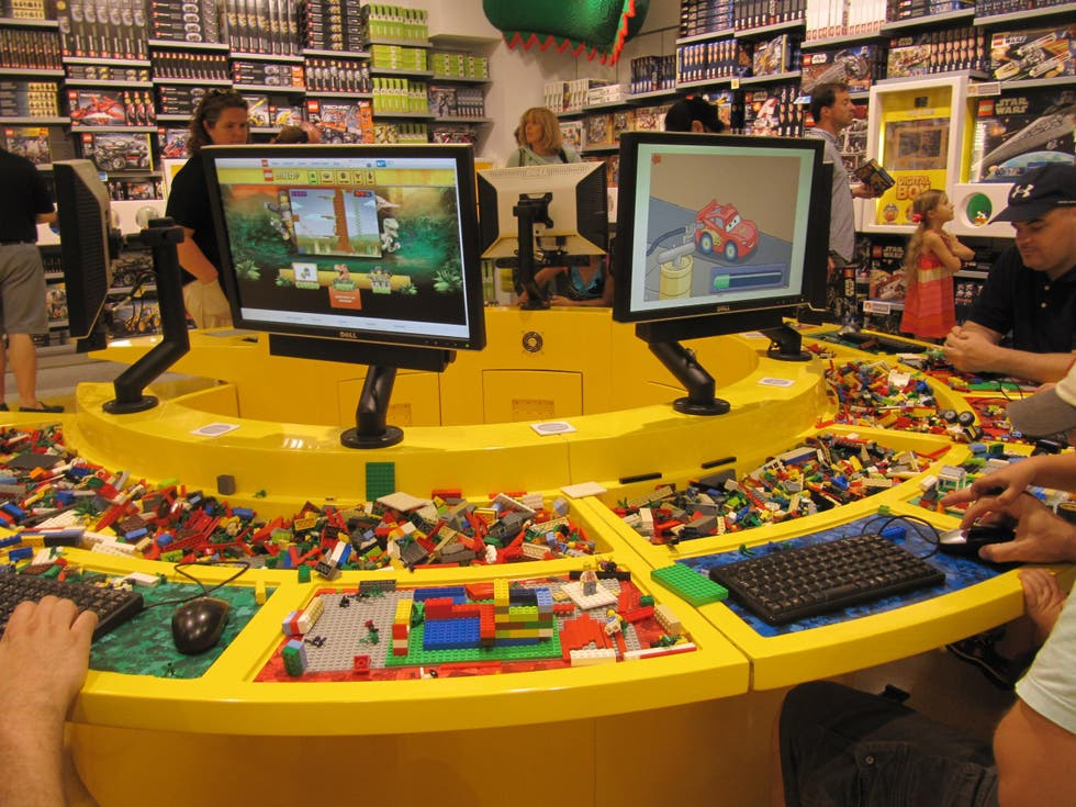 fotos de tienda lego the lego store im genes. Black Bedroom Furniture Sets. Home Design Ideas