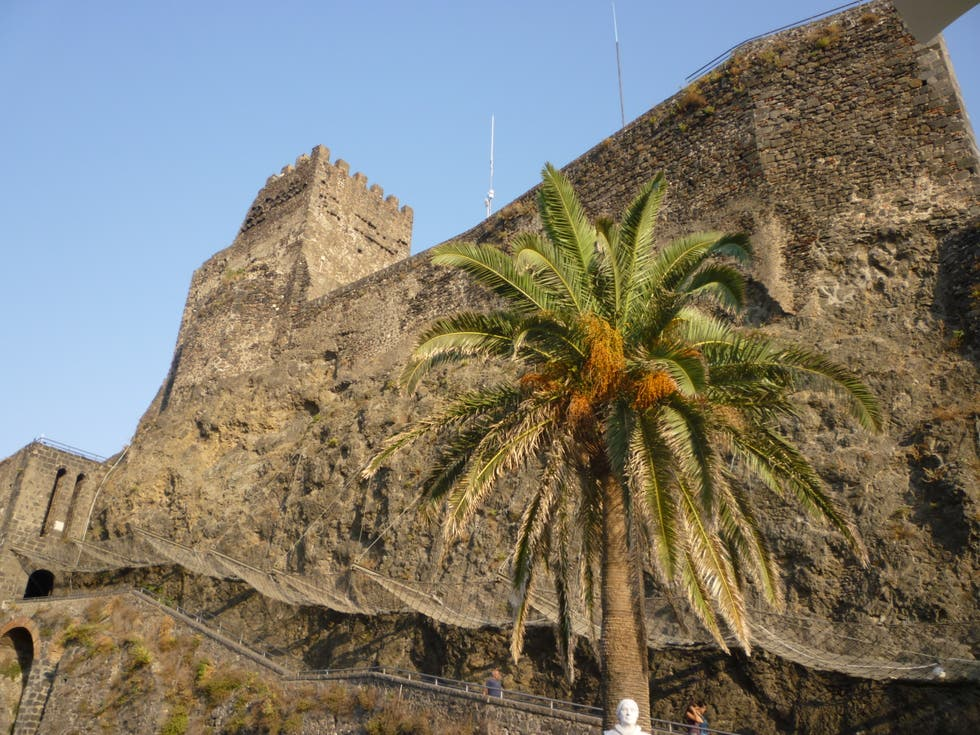 Leaf in Aci Castello