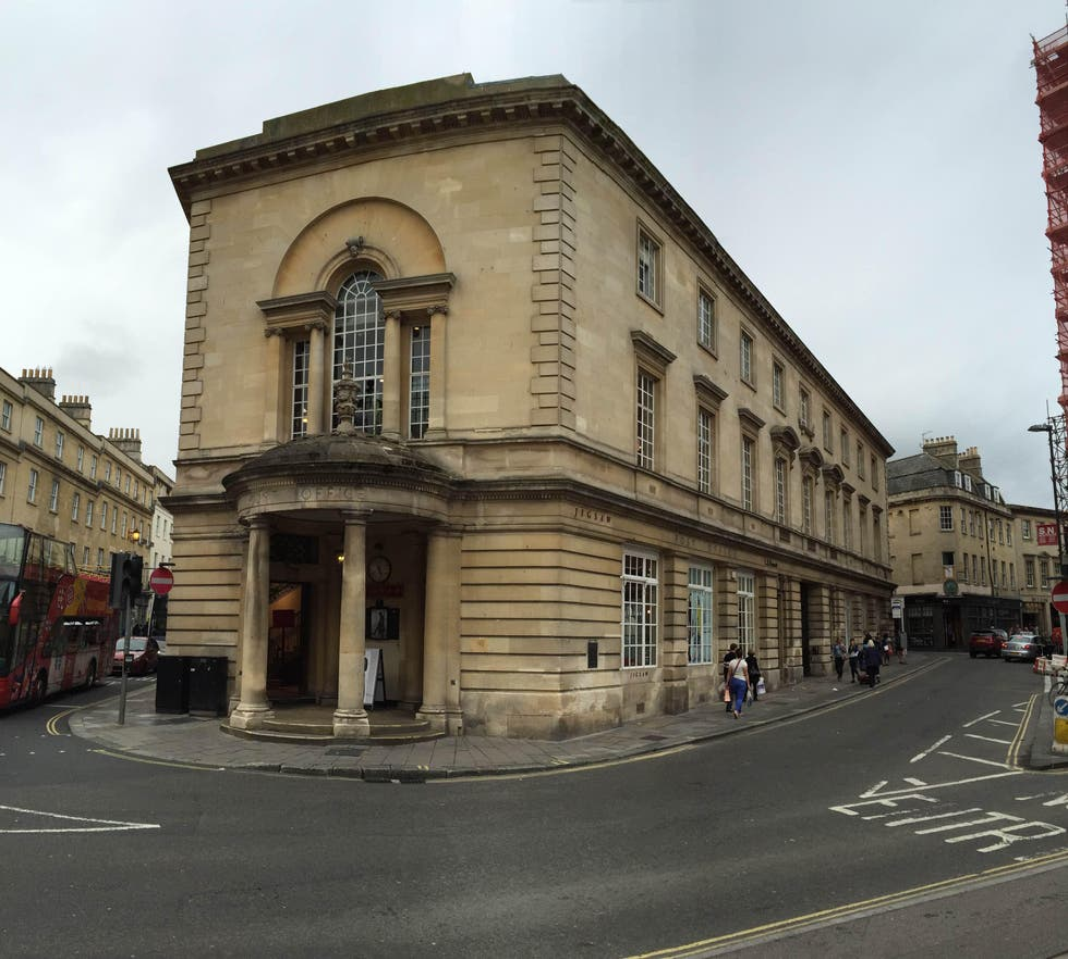 Fachada en Universidad de Bath