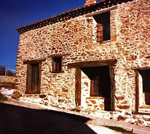 Villa a Robregordo