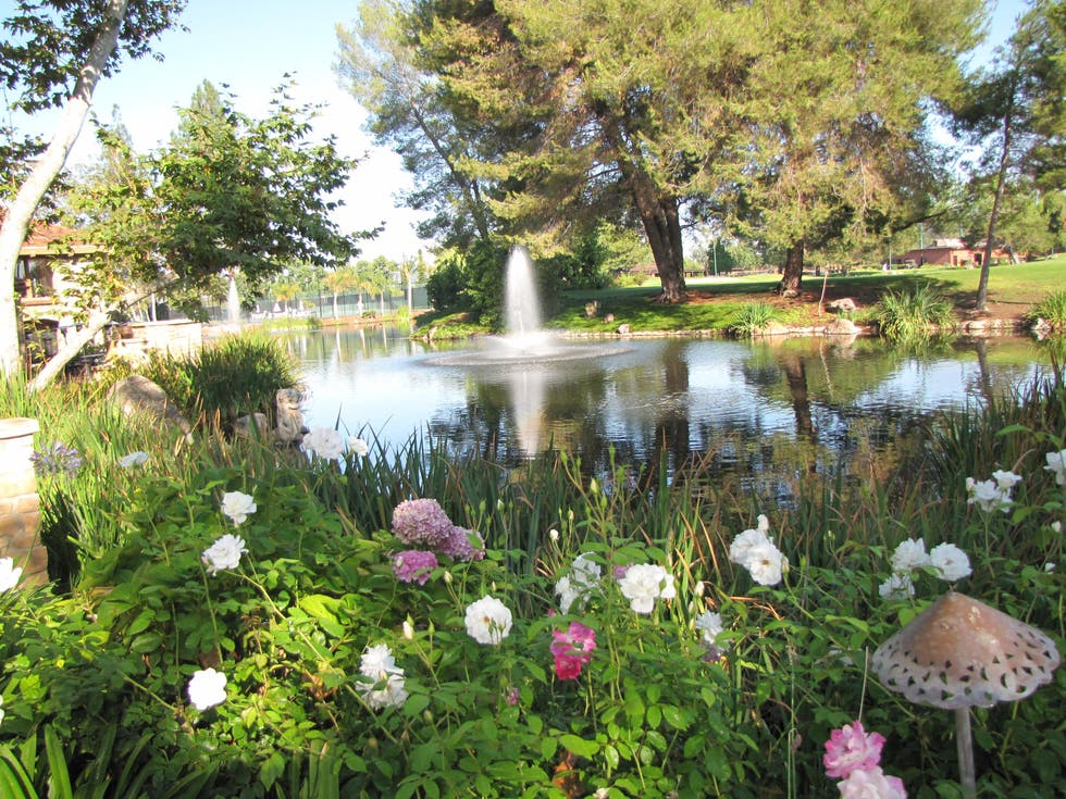 Lac de l 39 h printemps westlake village inn westlake for A la maison westlake village