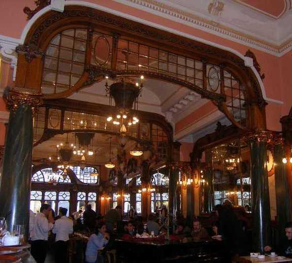 Noche en Majestic Café
